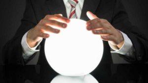 Эксперт Bloomberg предсказывает три возможных сценария развития биткоина