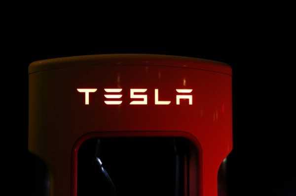 Surveillance Detection Scout превращает электрокар Tesla в систему для шпионажа